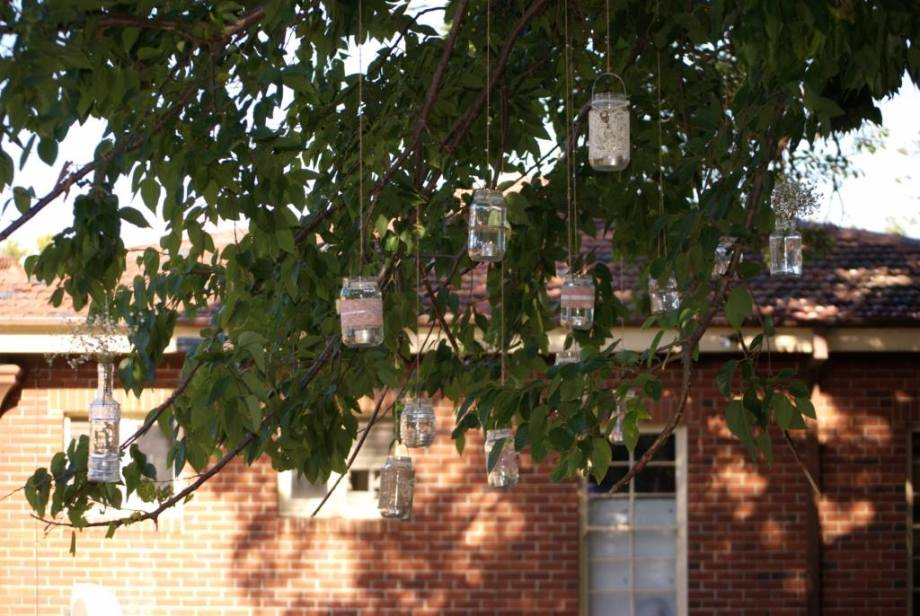 hanging-tree-vintage-jars-wedding-2