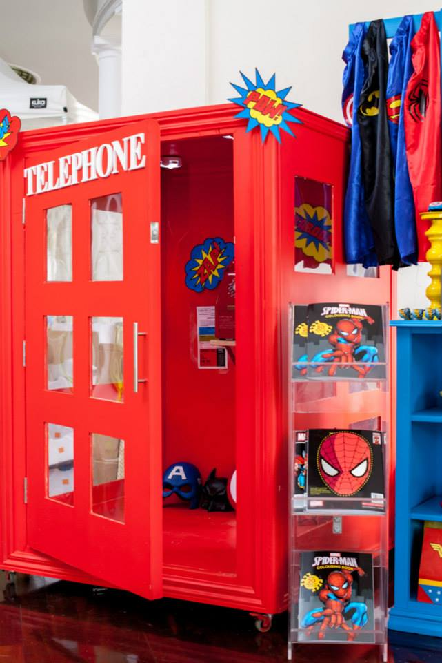 Superheros Party-Phone Booth2