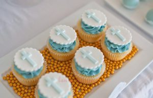 Blue & White Christening-cupcakes