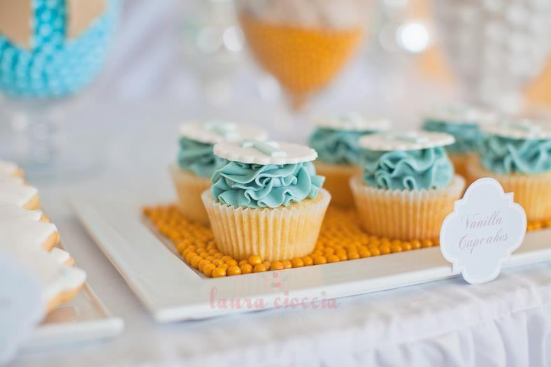 Blue & White Christening-cupcakes2