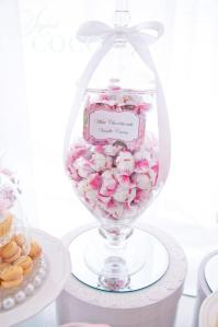 Kitchen tea-pink lolly buffet