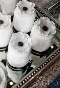 Mini black and white cakes