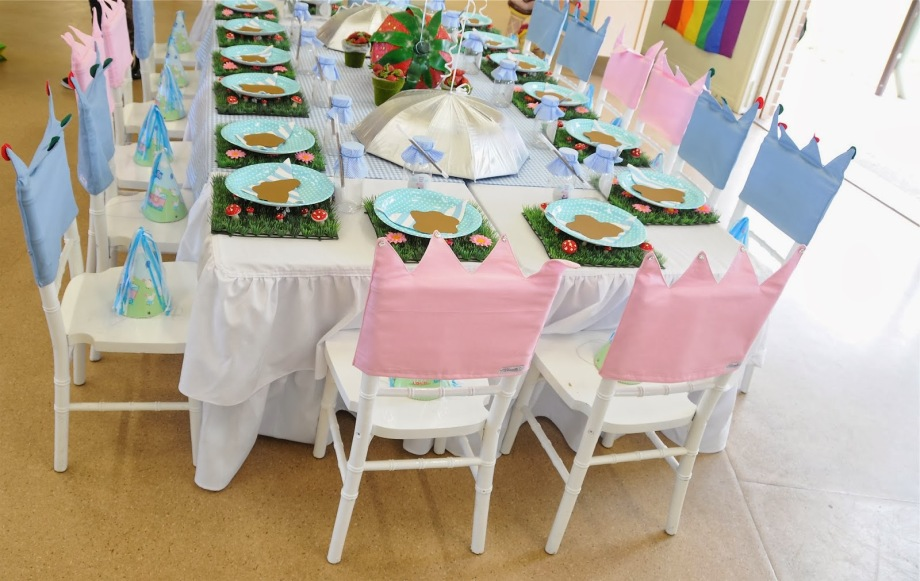 Peppa Pig Party-childrens table set up