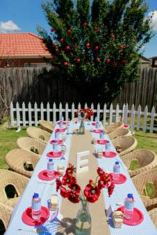 Wizard of oz party-kids table set up