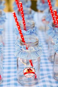 Wizard of oz party-milk bottles