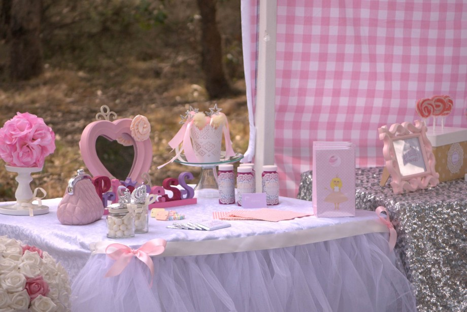 Princess Party accessorices table4.png