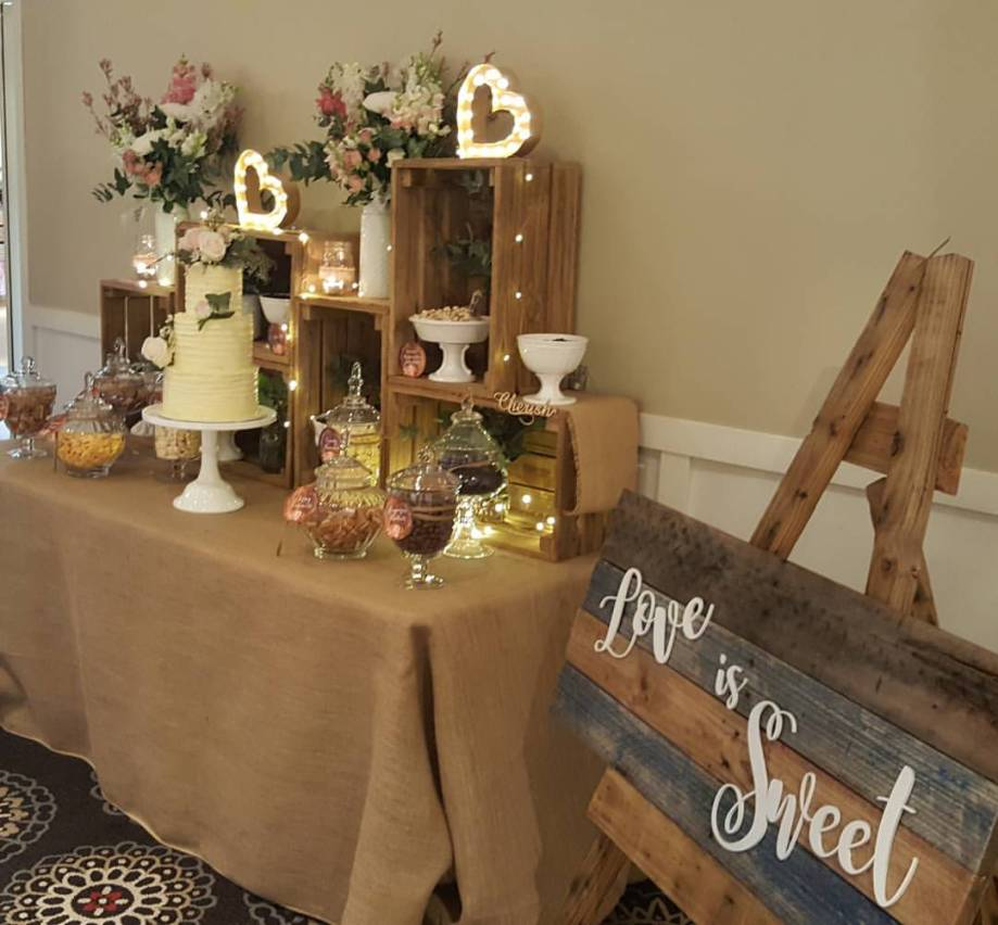 rustic-wedding-lolly-buffet