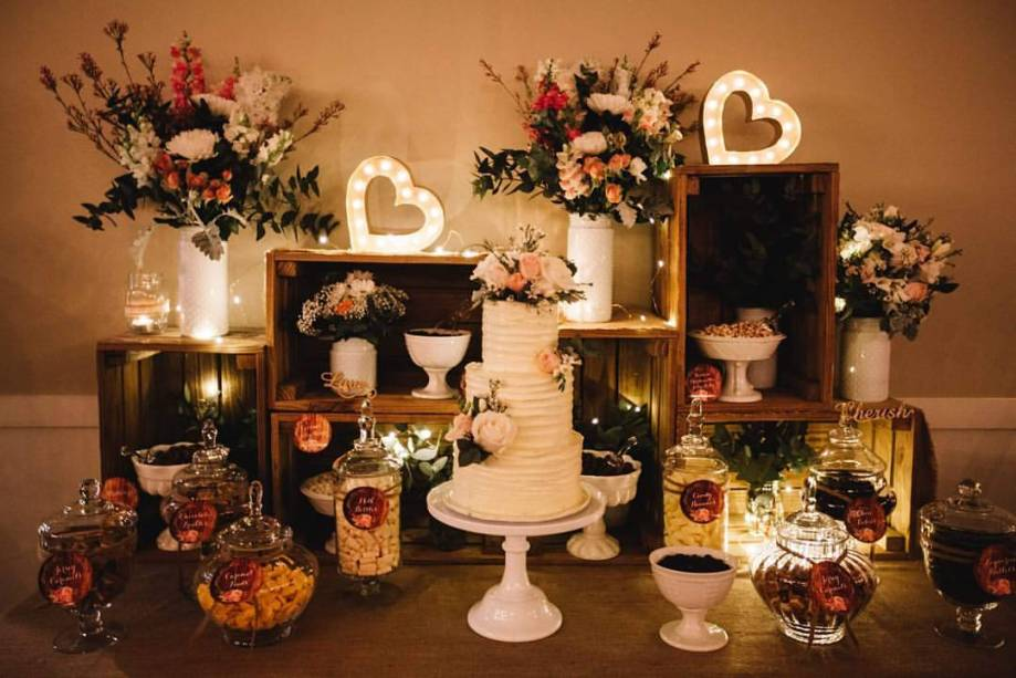 rustic-wedding-lolly-buffet4