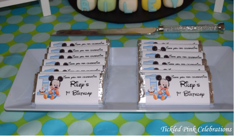 baby-mickey-mouse-1st-birthday-party-table-chocolate-bars