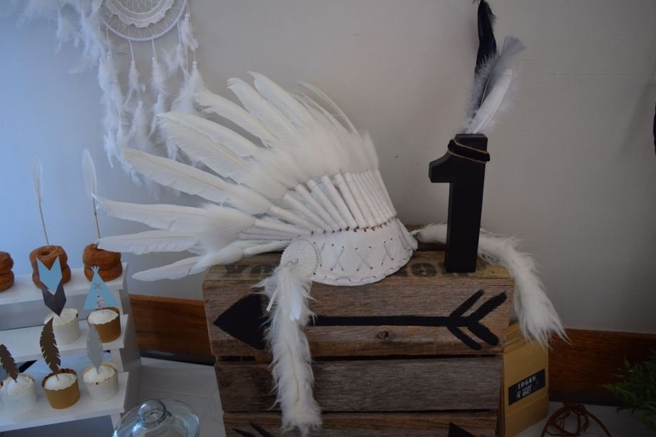 tribal-native-american-themed-party9