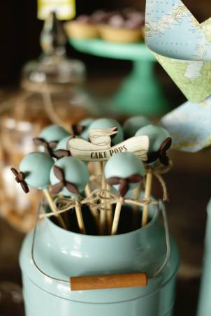 vintage-planes-party-table-dessert-lolly-buffet5