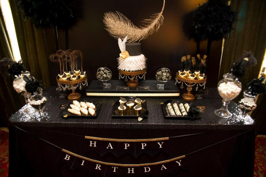 feather-themed-gold-black-40th-birthday-party5