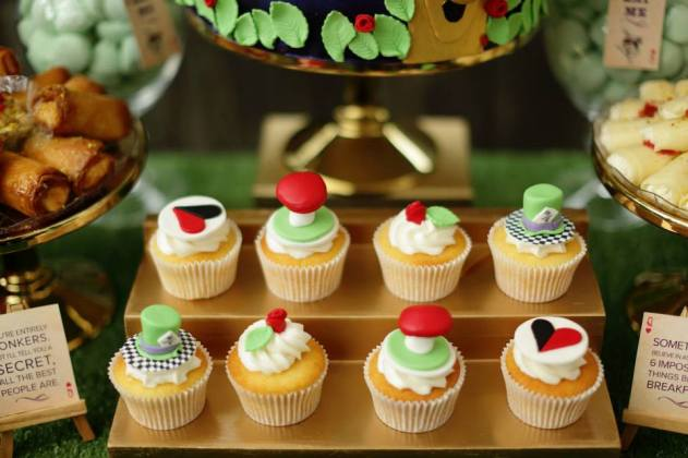 mad-hatters-wonderland-kitchen-tea-party-cupcakes