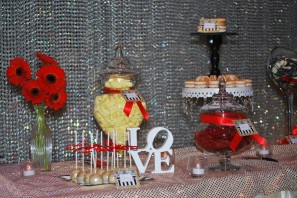 parisian-themed-party-lolly-buffet-gold-black-red-3