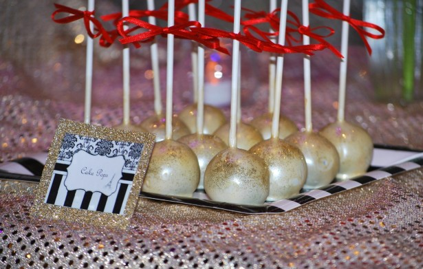 parisian-themed-party-lolly-buffet-gold-cake-pops