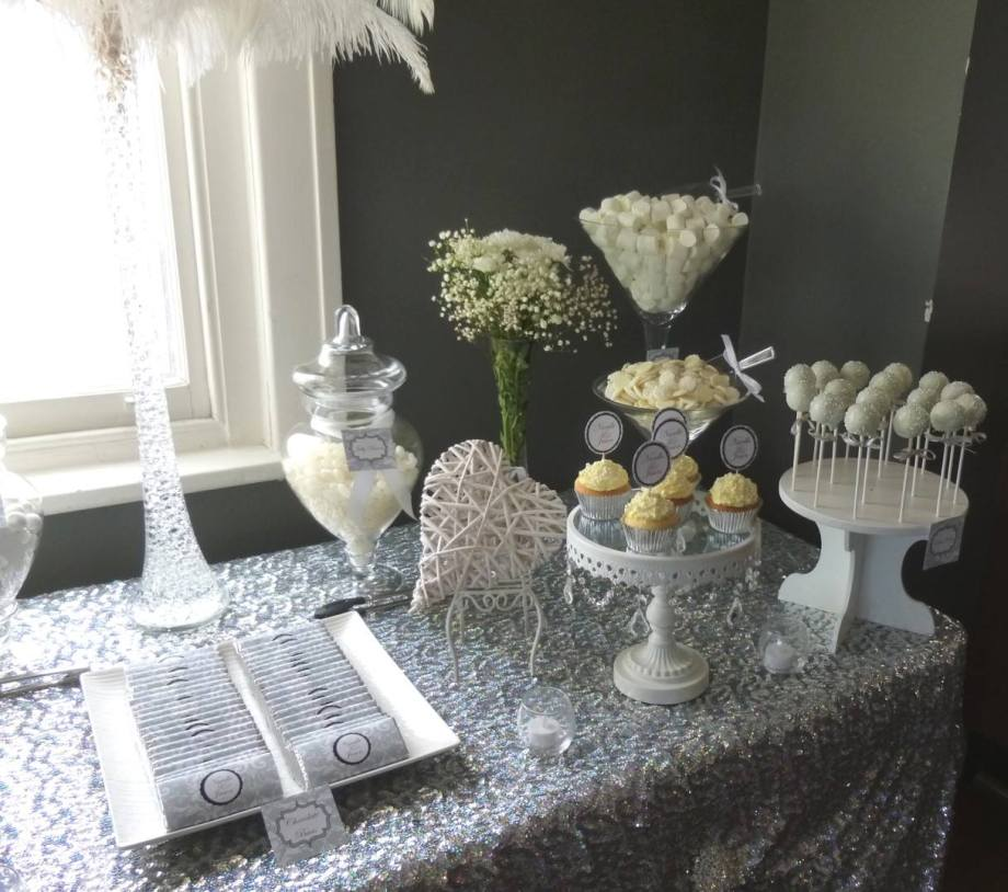 silver-white-engagement-party-lolly-buffet3