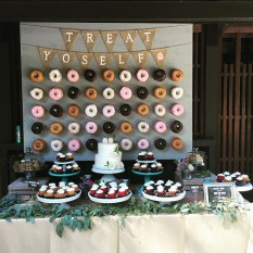 donut-wall-wedding-cake-alternative-18-57bc39a044e47__700