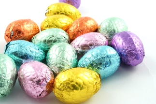 Easter eggs chocolate party ideas.jpg