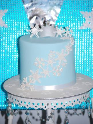 Frozen Party table cake2