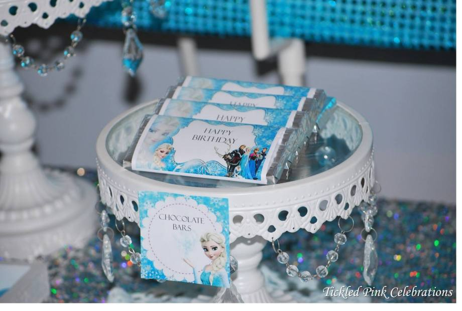 Frozen Party table Chocolate bars.jpg