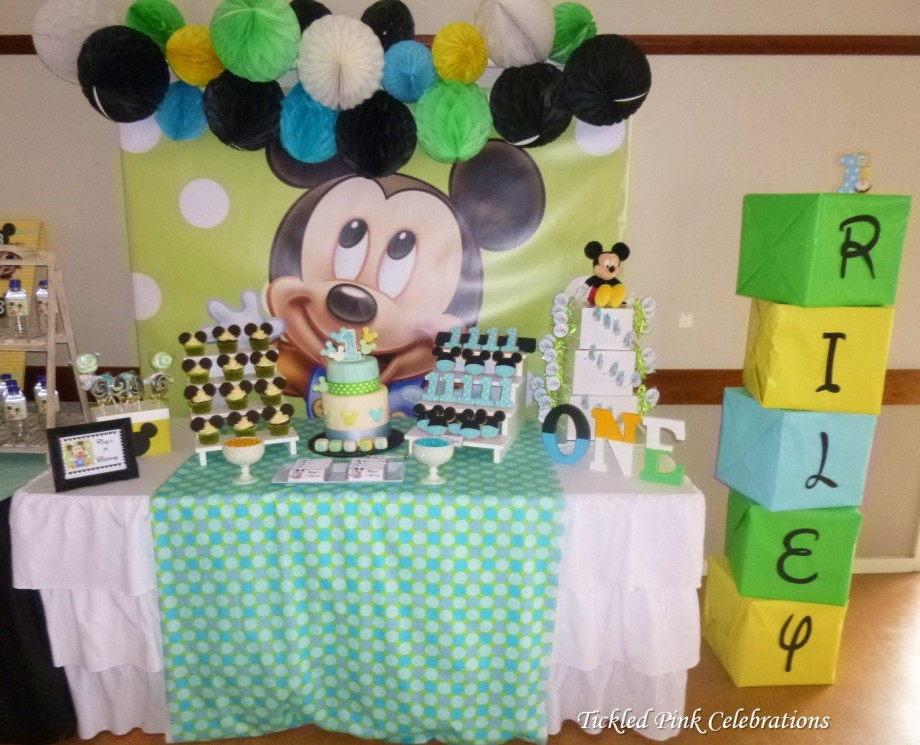 Baby Mickey Mouse 1st birthday party table