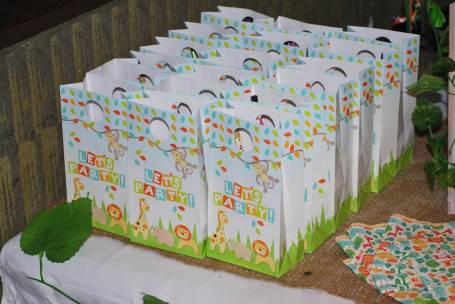 Jungle Safari Party table lolly buffet-lolly bags