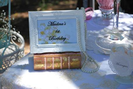 Vintage 1st BDay Party lolly buffet-personalised frame props