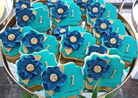 Blue Gold White 1st birthday party2