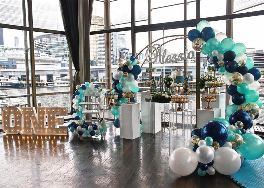 Blue Gold White 1st birthday party4